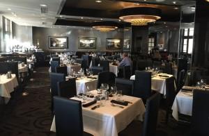 Salle vide restaurant